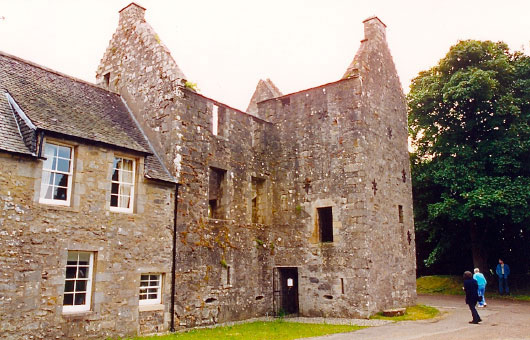 Old sauchie the scottish castles association for Classic house 2003