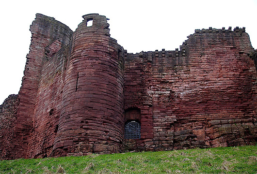 Bothwell Castle Gate