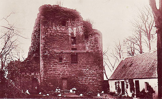 Cathcart Castle before demolition by the Glasgow Council